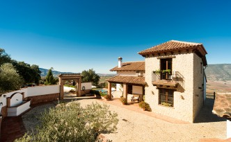 El Patio: A smart country home surrounded by splendid Andalusian vistas