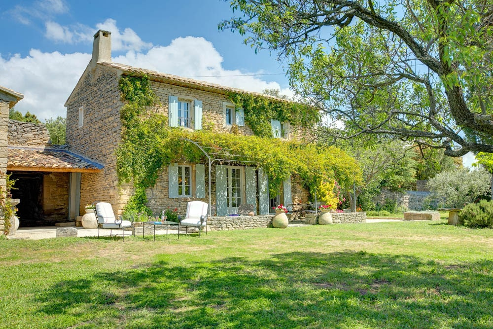Wine, dine and sleep among the vineyards of Provence in these high-quality Vintage Travel villas