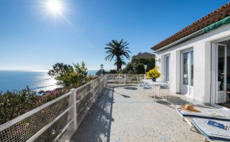 Looking for idyllic accommodation on the Cote d'Azur? Look no further than Vue Lérins