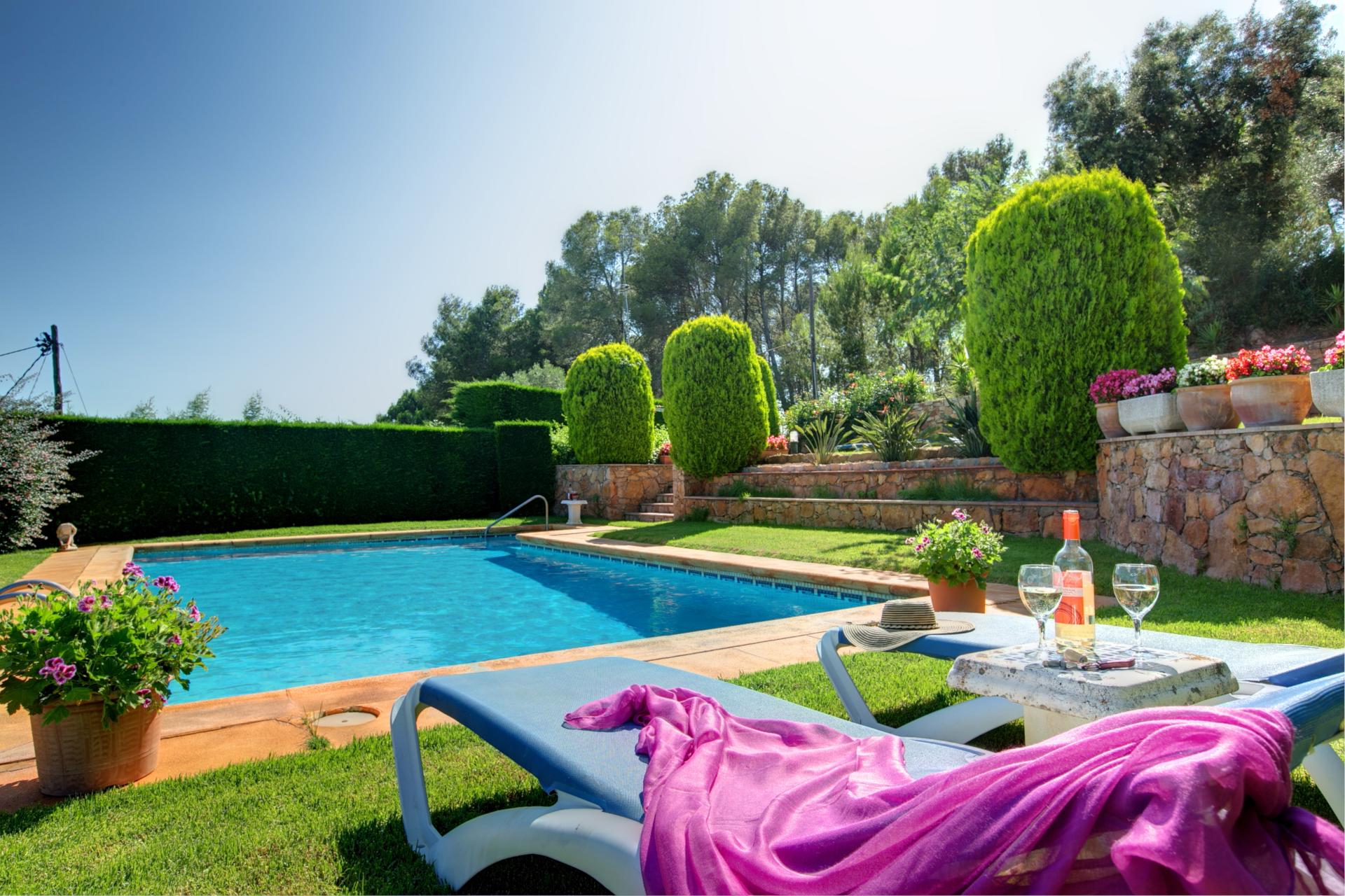Three fabulous villas for larger parties on the costa Brava