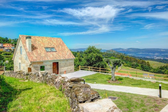 Looking for a romantic getaway to Galicia? Check out the rural retreat of Los Tendales
