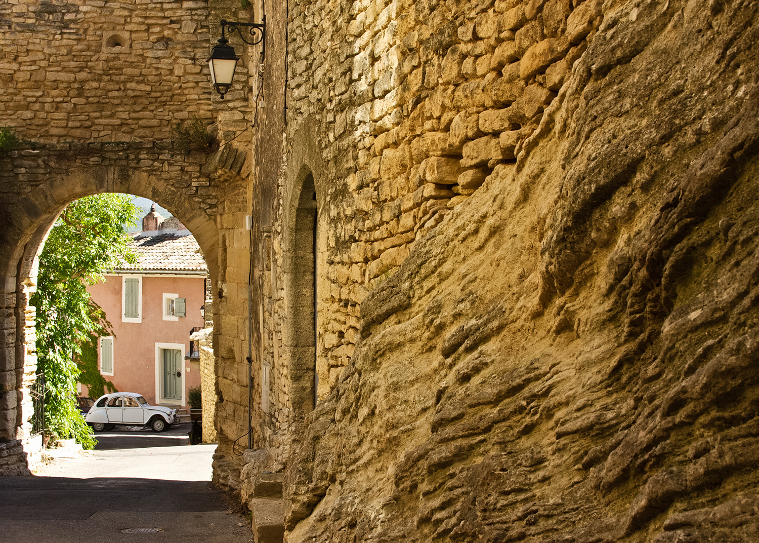 Exploring Provence's historic village of Goult
