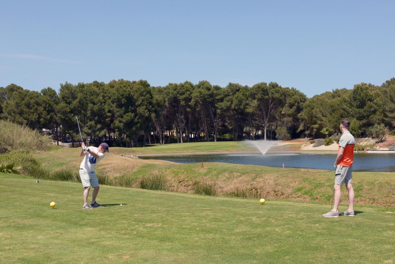 Villas Close to Golf Courses